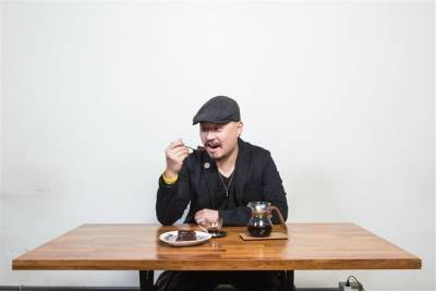 爐鍋咖啡老闆盧郭杰和的口袋甜點名單