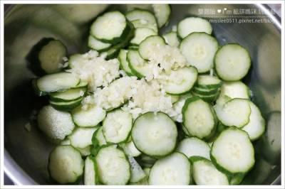 不用醃!【涼拌小黃瓜】只要十分鐘就完成!清脆又入味,作法超簡單....