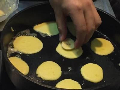 自己做,雞蛋香蕉煎餅