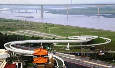 佛陀紀念館景觀天橋啟用 成為大樹新地標