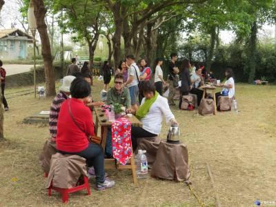 品茗吟詩享茶香 國內文學家組團遊世界搏茶會