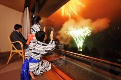 泡溫泉看花火 日本四大夏季私房旅遊攻略
