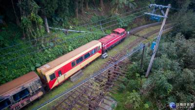 阿里山郵輪列車 帶領遊客探訪秘境