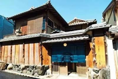 京都打造了全球第一家榻榻米星巴克!還沒開業就驚艷了全世界!