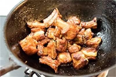 煮排骨時加一物,鄰居都聞到香味,上桌分分鐘被吃光!