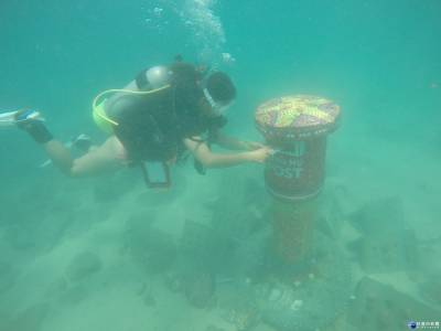 全台唯一藝術魚礁 澎湖「海底郵筒」也能收寄信