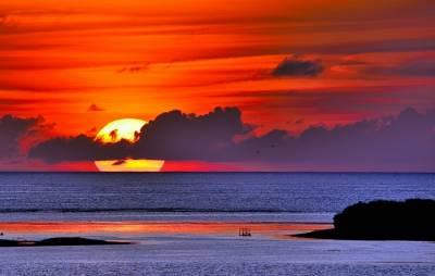 用肉眼就可以看見銀河!被遺忘的國境,從日出到日落 白天到天黑,美到無法忘記的東沙島...