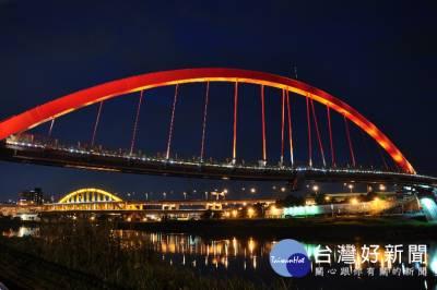 夏夜漫遊河濱 台北3座橋樑燈光秀好浪漫