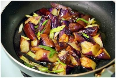【食譜】豆油伯純釀醬油‧無加糖的金美滿 金美好醬油,薄鹽的甘田醬油推薦 七道超簡單家庭料理食譜分享