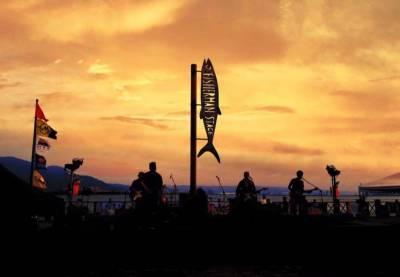 躺在海灘聽著音樂 喝啤酒 看日落!今夏最不容錯過的北台灣音樂盛會!