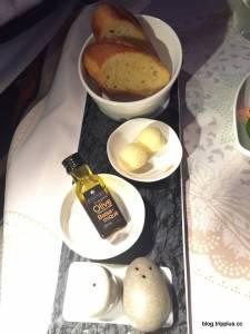 揪~~感心的航空服務體驗,台灣滿出來的人情味就是讚讚讚!!飛機上的餐點也是好到沒話說呦!