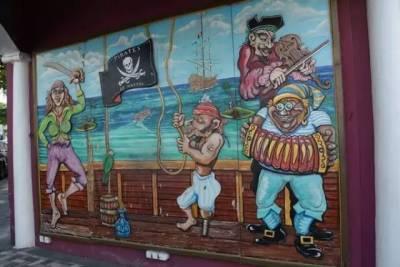 性感的粉色海灘 海里游泳的豬 加勒比海盜的故鄉,這裡比馬爾地夫還要更天堂!