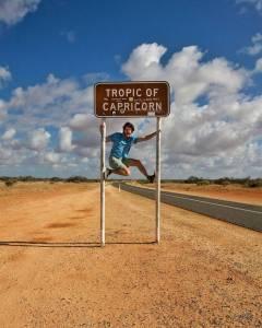 一名來自愛爾蘭職業旅行家,因為厭倦原本工作,無意間發現澳洲旅遊局招聘訊息,只要拍拍照發發影片就有錢拿...