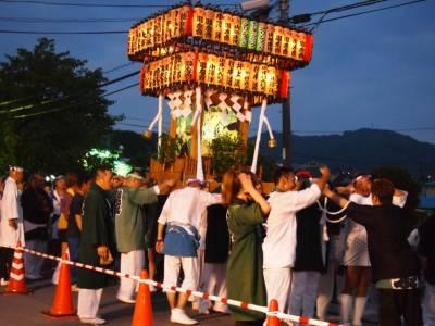 換上浴衣看著夜空綻放出朵朵絢麗花朵!讓人想立刻直奔,神奈川夏日花火之旅五大必選浪漫景點