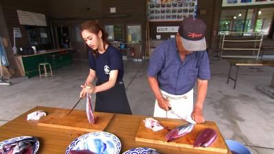 日幣1500元嚐五種美食!到日本高知一定要大啖美食...親手製作外熟內生的「鰹魚半敲燒」超美味!