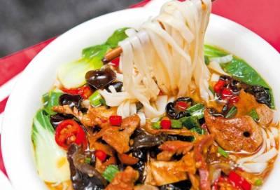這個中國美食,老外一輩子都嗦不到!嗦一次,湯都不會剩!