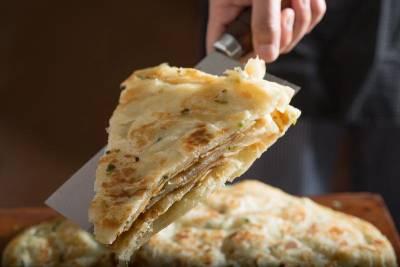只賣厚薄兩味 理化老師的山東蔥油餅