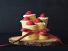 生日蛋糕變成一捆捆「聖誕蠟燭」了!動手做出美味又童趣的《聖誕蠟燭蛋糕》...