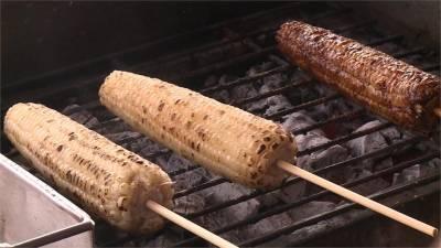 傳承爺爺獨門醬汁 炭烤豬油玉米香氣四溢