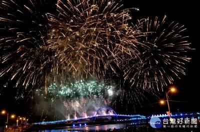 王功漁火節二天吸引32.3萬人次 夜間燈景延長至12 10